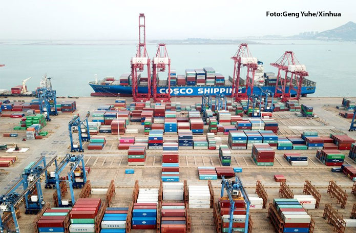 Comércio-exterior-da-China-tem-queda-anualizada-de-07-em-abril-mas-exportações-crescem-82-___ (1)