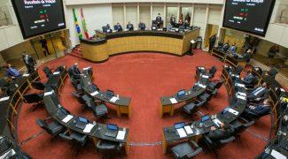 plenario-da-assembleia-votacao-800x533